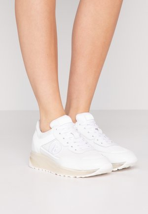 NEW YORK  - Zapatillas - white