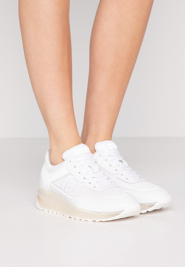 NEW YORK  - Sneakers - white