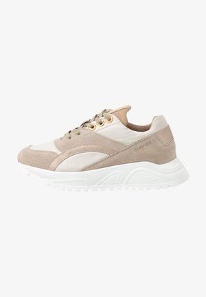 NEW MALAGA  - Sneakers - beige