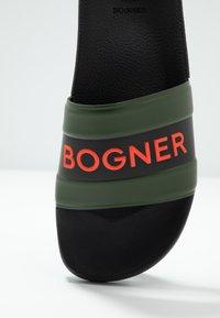 Bogner - BELIZE - Pantofle - black/olive - 5