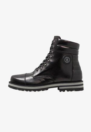 COURCHEVEL - Šněrovací kotníkové boty - black