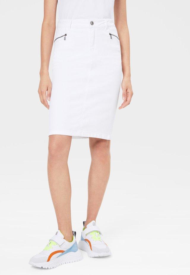 ANVI - Pencil skirt - white