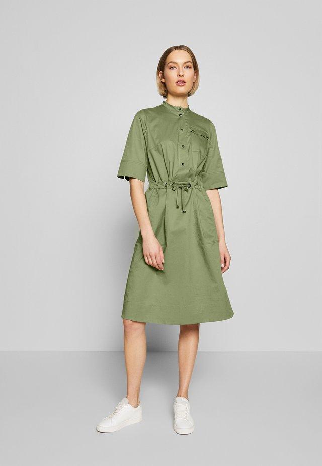 MARINA - Korte jurk - olive