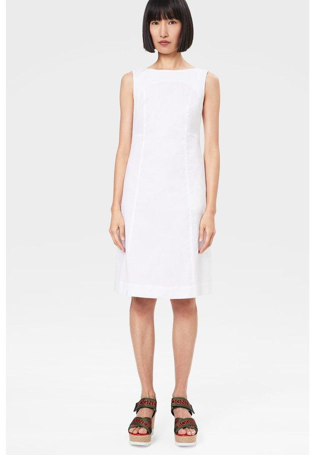 PINIA - Etui-jurk - weiß