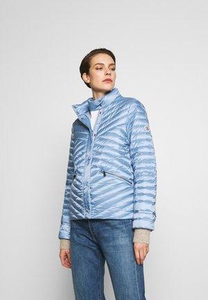 BESSY - Bunda zprachového peří - light blue
