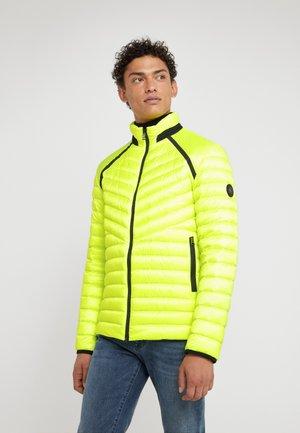 LIMAN - Piumino - neon yellow