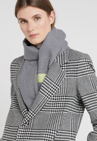 Bogner - SCARF - Schal - light grey - 1