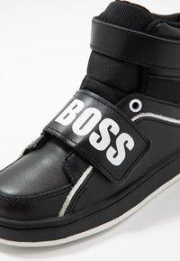 BOSS Kidswear - TURNSCHUHE - Baskets montantes - schwarz - 2