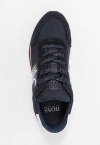 BOSS Kidswear - TRAINERS - Sneakers basse - navy - 1