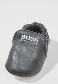 BOSS Kidswear - Spedbarnsko - marine - 2