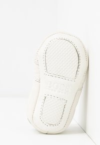 BOSS Kidswear - TRAINERS - Spedbarnsko - white - 5
