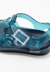 BOSS Kidswear - Chanclas de baño - navy - 5