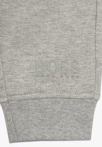 BOSS Kidswear - Pantaloni - gris chine - 4