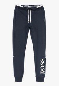 BOSS Kidswear - BOTTOMS - Trainingsbroek - navy - 0