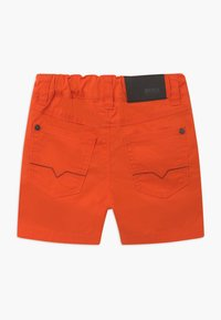 BOSS Kidswear - BERMUDA  - Kraťasy - bright red - 1