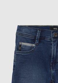 BOSS Kidswear - BERMUDA - Shorts vaqueros - stone - 3