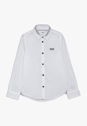 LANGARM SLIM FIT - Shirt - weiss