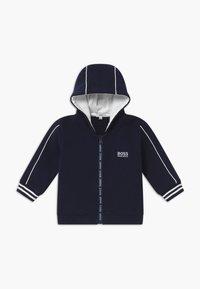 BOSS Kidswear - Cardigan - bleu cargo - 0