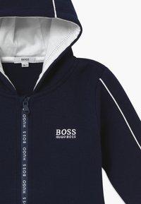 BOSS Kidswear - Cardigan - bleu cargo - 3