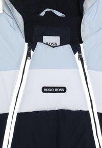 BOSS Kidswear - Snowsuit - marine ciel - 5