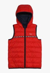BOSS Kidswear - Vesta - rot - 0