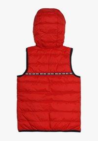 BOSS Kidswear - Vesta - rot - 1