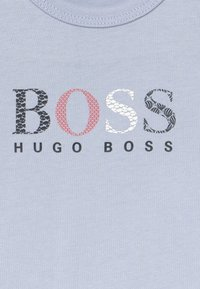 BOSS Kidswear - SHORT SLEEVES TEE - T-shirt print - ciel - 3