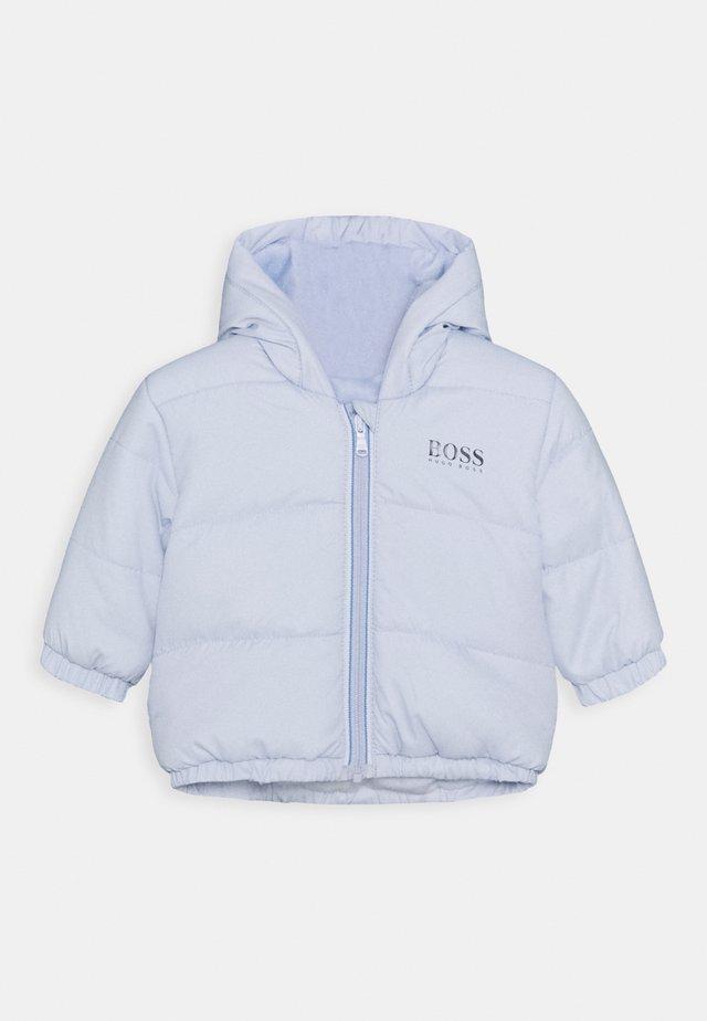 PUFFER JACKET BABY UNISEX - Kurtka zimowa - pale blue