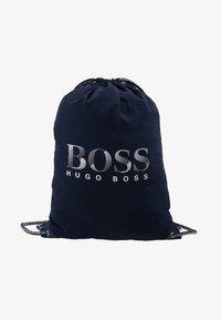 BOSS Kidswear - BEACH BAG - Batoh - navy - 1