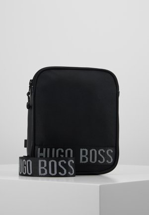 BAG - Taška spříčným popruhem - black