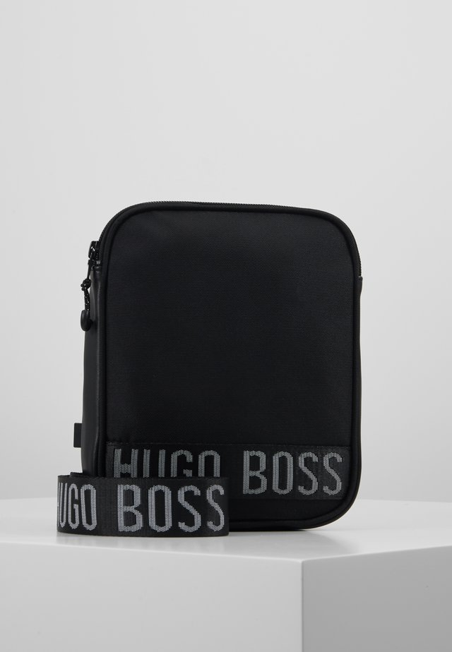 BAG - Across body bag - black