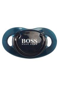BOSS Kidswear - BABY SCHNULLER - Baby gifts - marine - 1