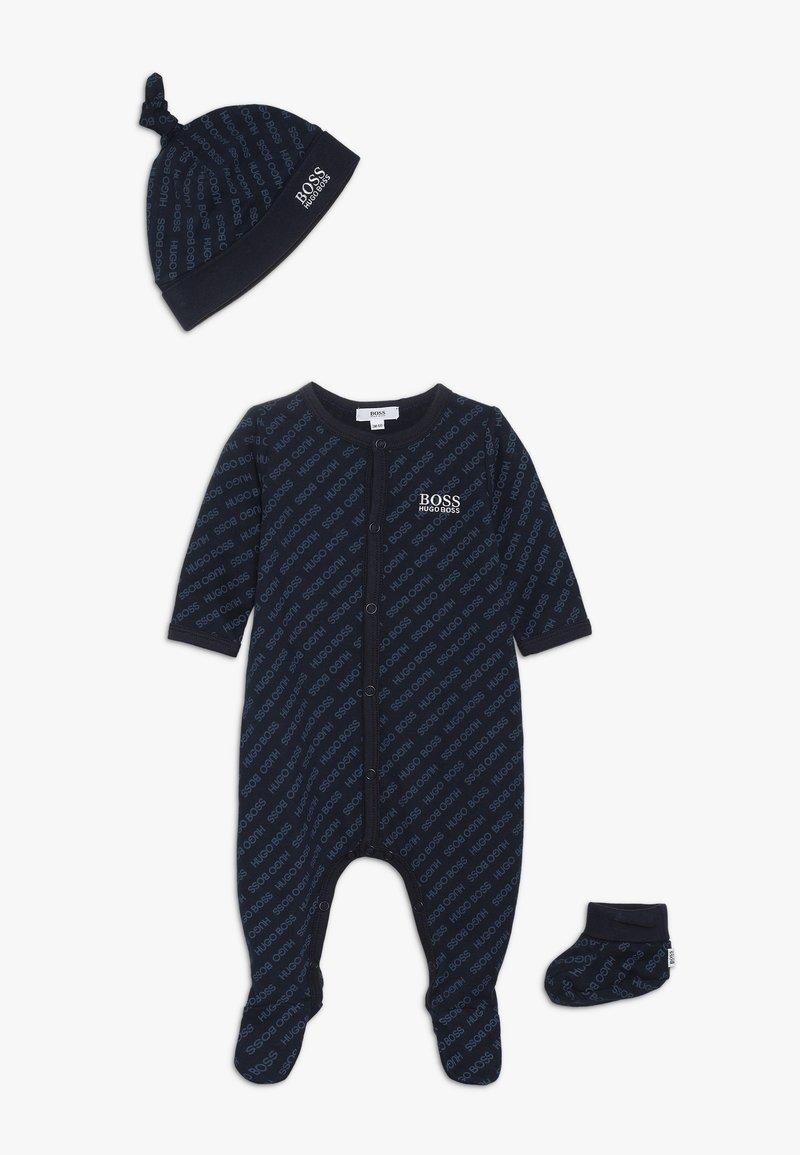 BOSS Kidswear - BODY SOCKEN MUETZE SET - Lue - bleu cargo