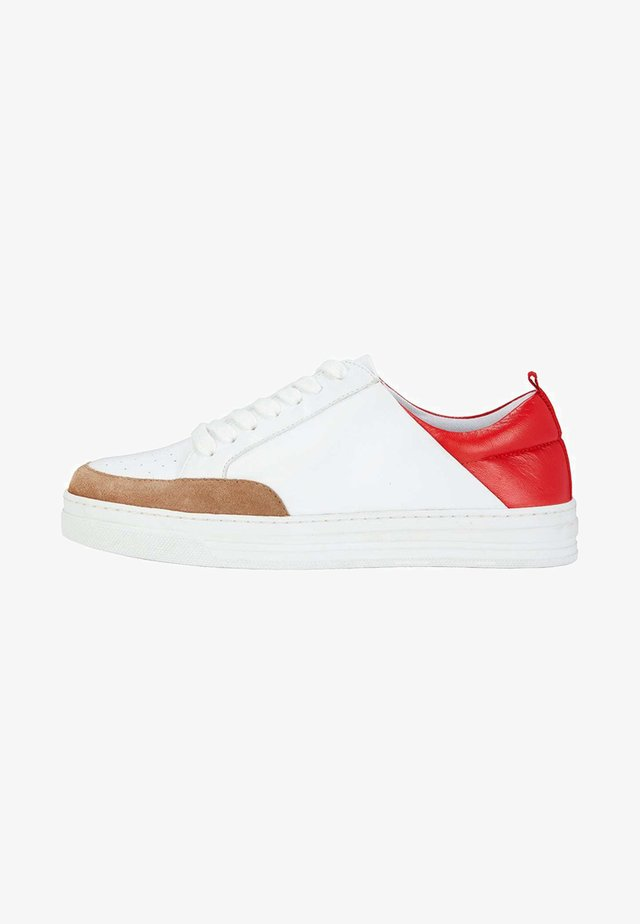 EMILY  - Trainers - red
