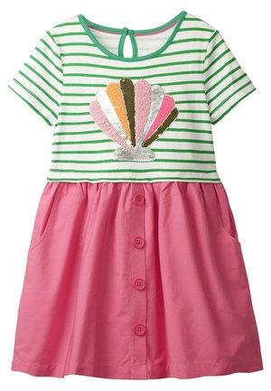 MIT FARBWECHSELNDEN PAILLETTEN - Day dress - helles pink/grün, muschel