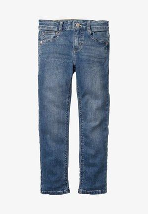 MIT ADVENTURE-FLEX - Straight leg jeans - rinsed denim