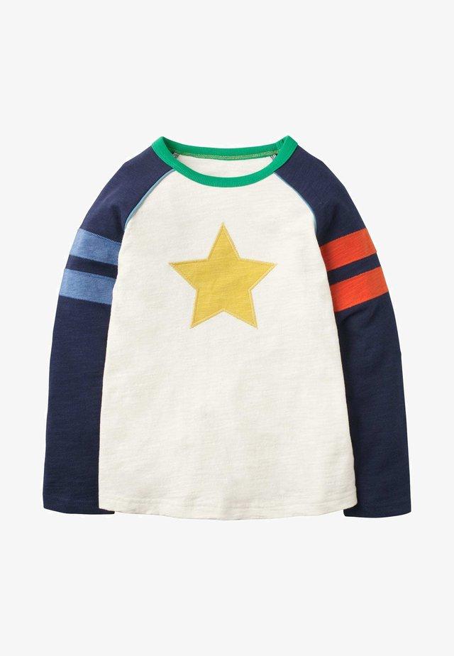 SPORTLICHES RAGLAN-SHIRT - Long sleeved top - naturweiß, stern