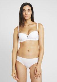 Boux Avenue - EMMELINE - Kaarituelliset rintaliivit - white - 1