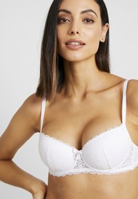 Boux Avenue - EMMELINE - Kaarituelliset rintaliivit - white - 4