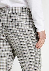 boohoo MAN - CHECK SLIM FIT SUIT - Dressbukse - grey - 5