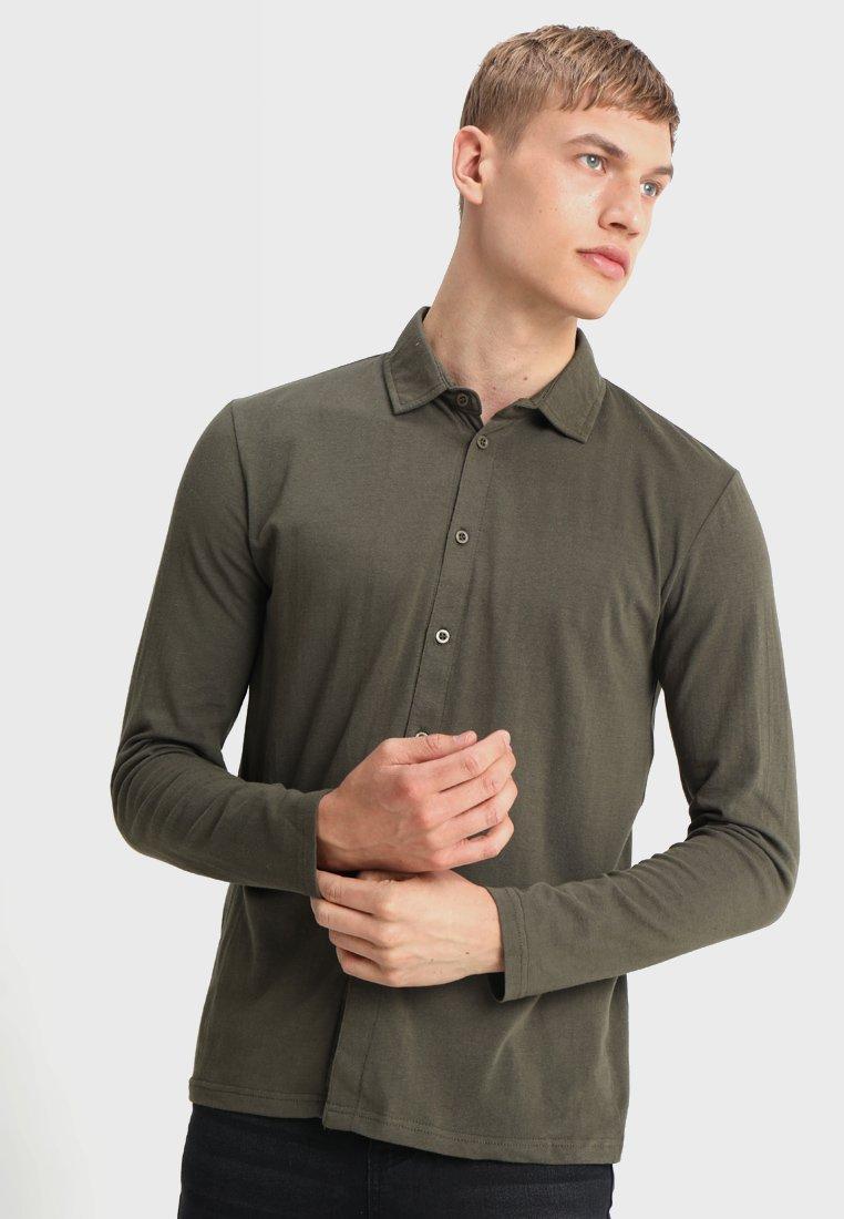 boohoo MAN - MUSCLE FIT LONG SLEEVE - Skjorter - khaki