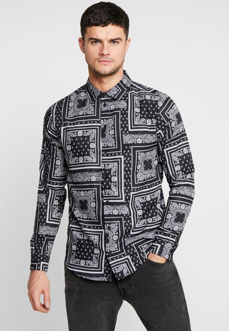 boohoo MAN - BANDANA PRINT LONG SLEEVE SHIRT - Shirt - black