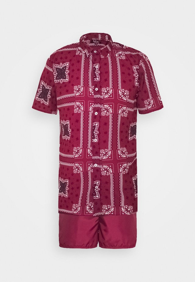 SHORT SLEEVE SHIRT SET IN PAISLEY PRINT - Shorts da mare - burgundy