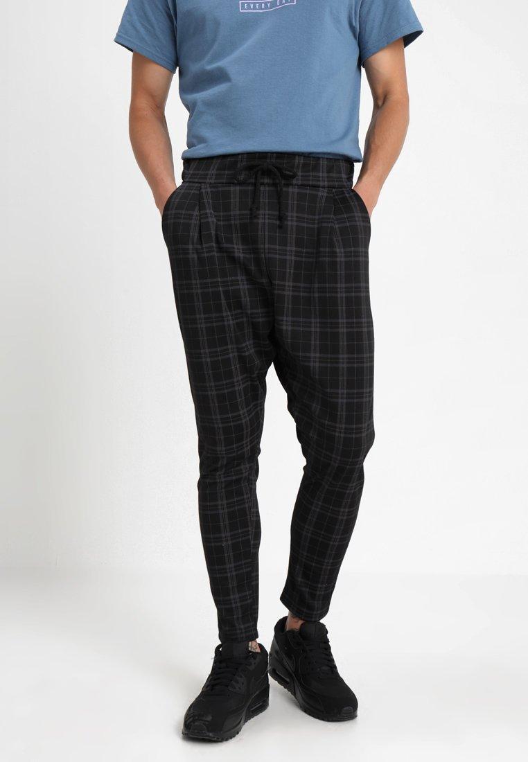 boohoo MAN - SMART CHECKED JOGGER - Spodnie treningowe - black