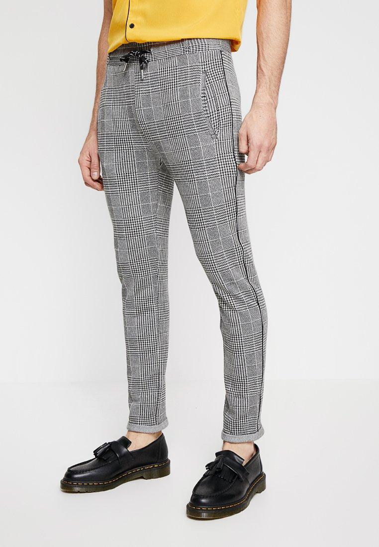 boohoo MAN - CHECK CROPPED WITH PIPING DETAIL - Pantalones - grey