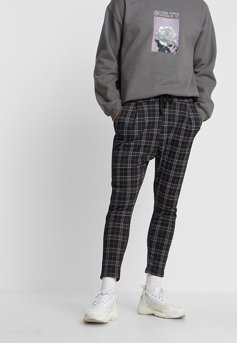 boohoo MAN - SMART CHECKED JOGGER - Broek - black