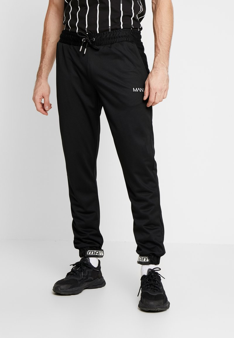 boohoo MAN - MAN AIRTEX  WITH RUBBER TAB - Trainingsbroek - black