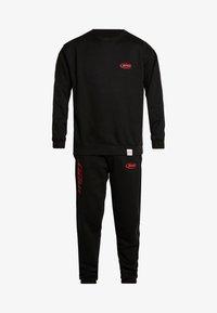 boohoo MAN - MAN OVERSIZED - Pantaloni sportivi - black - 6