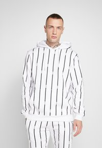 boohoo MAN - STRIPE TRACKSUIT - Bluza z kapturem - white - 2