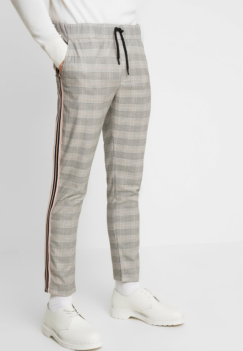 boohoo MAN - CHECK TAPE DETAIL SMART  - Trousers - grey